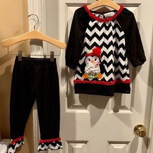 Emily Rose..Girl's Size 3T Matching Set! Like New!